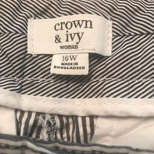 crown & ivy Pants - ❤️Sale 3/$15 BLUE AND WHITE PIN STRIPED CAPRIS